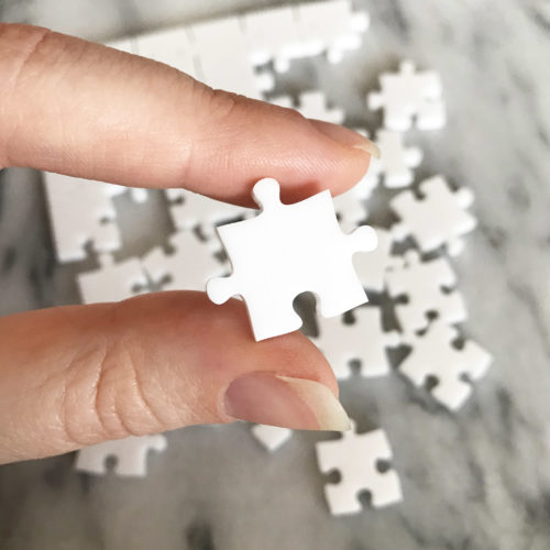 500 Piece White Jigsaw Puzzle - EASY