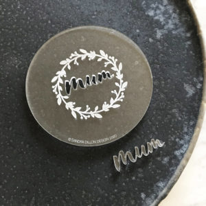 Mum Wreath Engraved Fondant Embosser